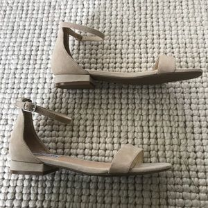 35aa1718f2a Steve Madden Shoes - Steve Madden Lamp nude suede sandal